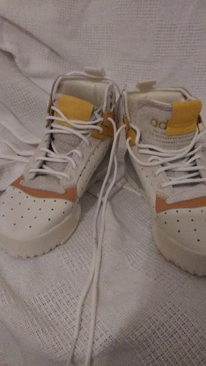 New adidas Rivalry RM White Mustard size 6.5 for Sale in Lithonia, GA