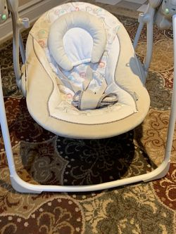 Baby Electric Rocking Chair for Sale in Princeton,  NJ