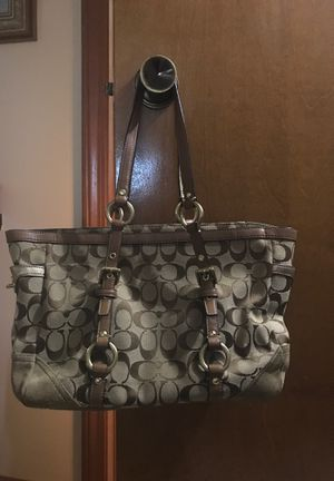 Authentic coach purse hardly been used for Sale in Farmington Hills, MI