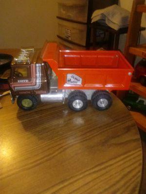 Vintage metal ERTL automatic dump truck for Sale in Medina, OH