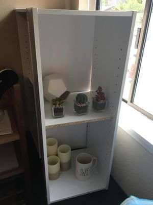 2 WHITE BOOKCASES WITH ONE SHELF for Sale in Kirkland, WA