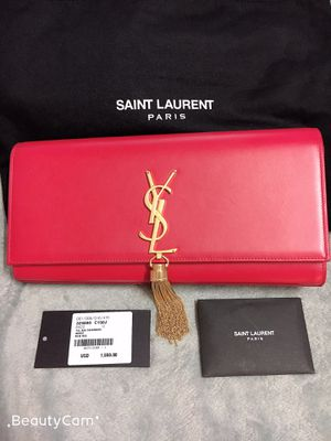 YSL Clutch Red for Sale in Alexandria, VA