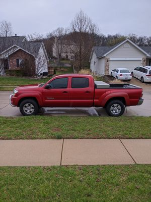 2011 Toyota Tacoma two-wheel drive 155,000 mi for Sale in Fenton, MO