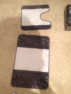 Bathroom rug set for Sale in Columbus, OH