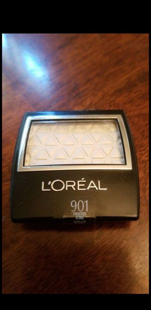 L'oreal eyeshadow Frosted Icing for Sale in Phoenix, AZ