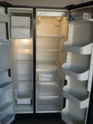 Refrigerator Frigidaire for Sale in Fontana, CA