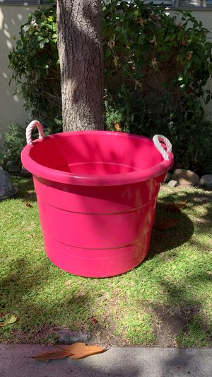Hot pink drink tub for Sale in Monrovia, CA