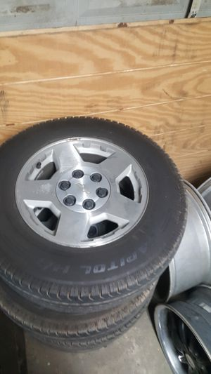 USED WHEELS & TIRES 90% LT 245/70/17 for Sale in Fresno, CA