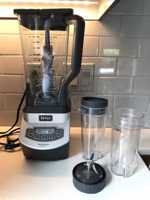Ninja Blender w/ Individual Smoothie Blender Cups for Sale in Alexandria, VA