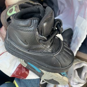 Toddlers Shoes for Sale in Gap, PA