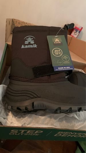 Brand new snow boots size 13 kids /toddler for Sale in Quincy, MA