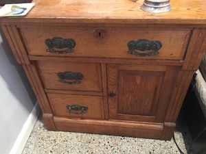 Antique Cabinet for Sale in Lake Worth, FL