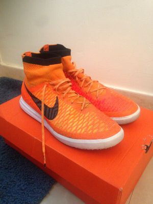 Indoor soccer shoes Nike for Sale in Miami, FL