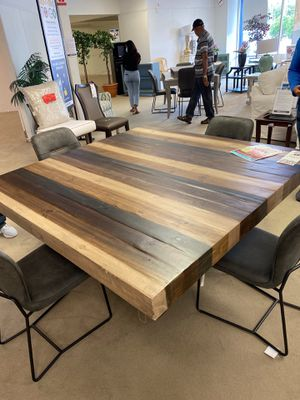 Cindy Crawford Dining Table for Sale in Orlando, FL
