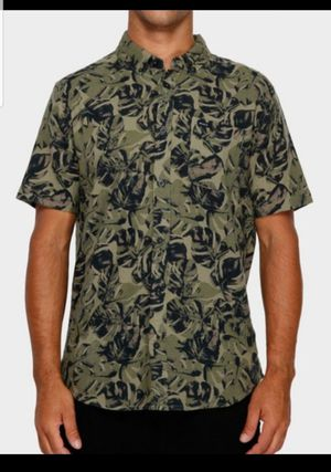 RVCA Button Up Leaf Camo Shirt Fall Collection for Sale in Anaheim, CA