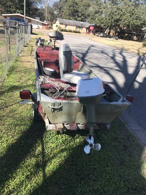 REDUCED! Boat and trailer for Sale in Alexandria, LA