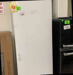 ESTATE BY RSI CABINET TALL 3CXVK for Sale in Austin,  TX