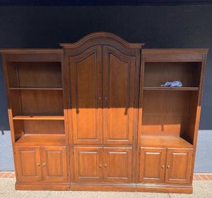 Tv Stand with Drawers for Sale in Pittsburg, CA