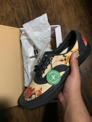 Supreme floral vans size 9.5 for Sale in Mesquite, TX