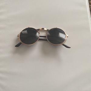 Sun glasses for Sale in Oklahoma City, OK
