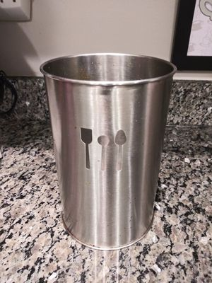 """Kitchen Utensil Holder Silver. 10"""" tall Silver. 10"""" tall for Sale in Gaithersburg, MD"""