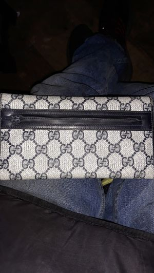 Gucci Wallet for Sale in Vallejo, CA