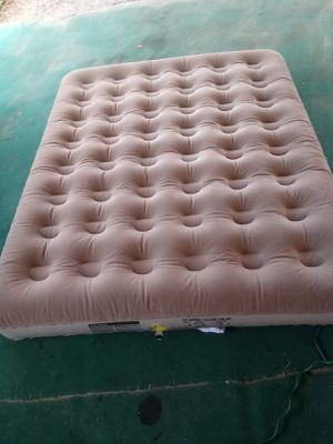 Coleman queen size air mattress for Sale in Fort Meade, FL