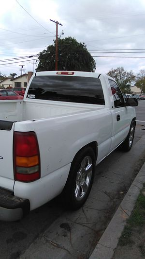 Chevy Silverado no less don't ask 4500 firm for Sale in BELL GARDENS, CA