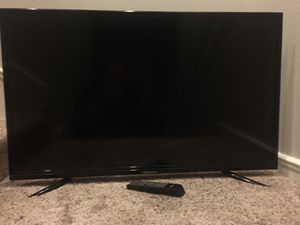 Hisense 40-inch TV for Sale in Montclair, CA