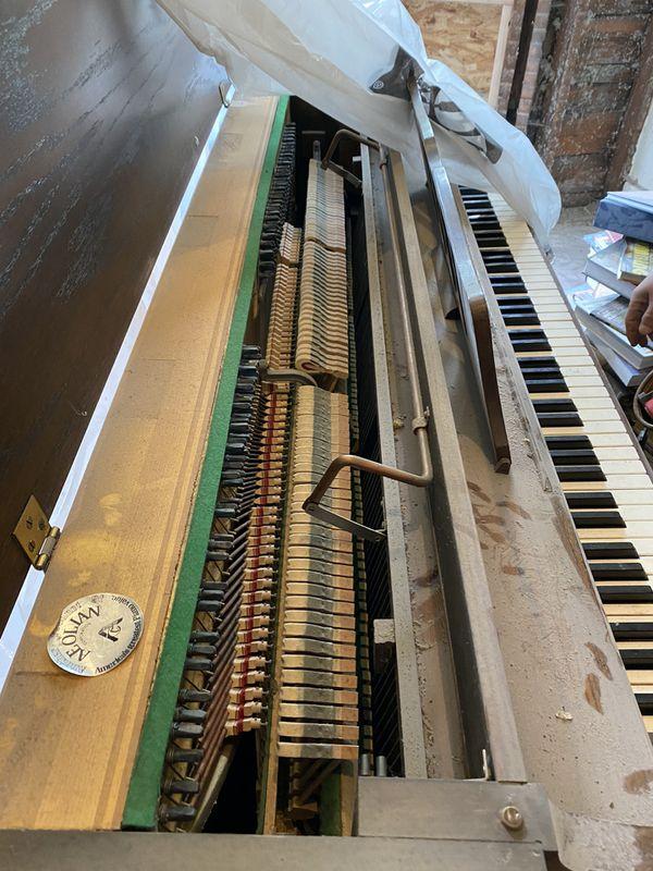 Piano For Sale - Upright Piano