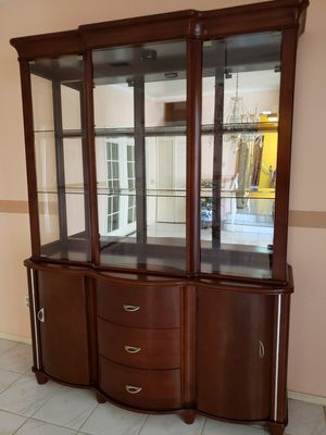 GREAT CHINA CABINET for Sale in Los Angeles, CA