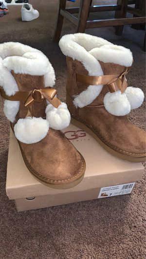 Ugg Boots For women for Sale in Garfield Heights, OH