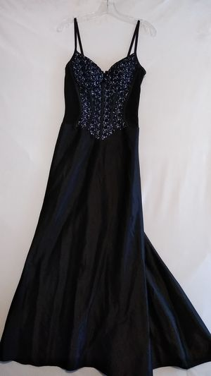 Formal Dress for Homecoming/Prom/Dances/Wedding/Events -Gently Used for Sale in Parma, OH
