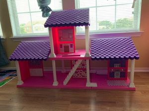 Doll house for Sale in Fort Smith, AR