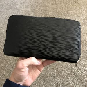 Louis Vuitton wallet for Sale in San Diego, CA