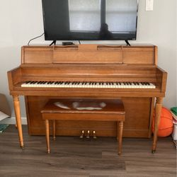 Upright piano for Sale in Tacoma,  WA