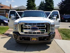 2013 Ford f 350 super duty 2wd for Sale in Chicago, IL