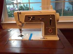 Singer sewing machine. Works perfectly. for Sale in Severn, MD