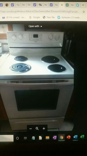 Wonderful Whirlpool Freestanding Electrical Oven Range OBO for Sale in Rochester, PA