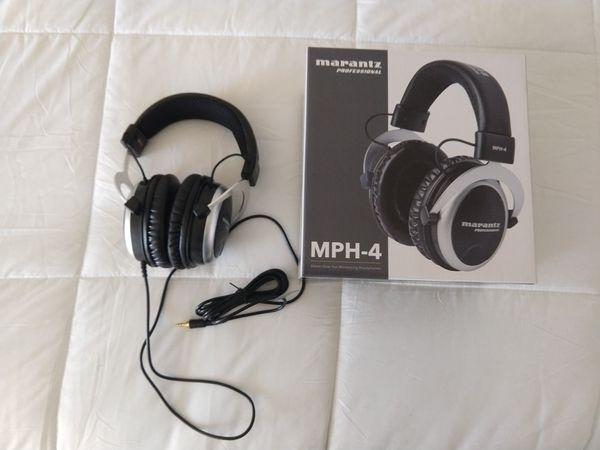 Professional headphones Marantz MPH-4