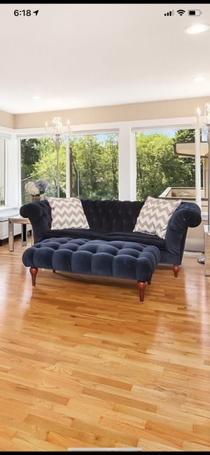 Chesterfield Navy Velvet Tufted Couch for Sale in University Place, WA
