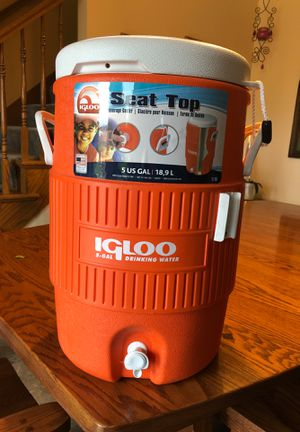 Igloo 5 Gallon Cooler Seat Top for Sale in IL, US