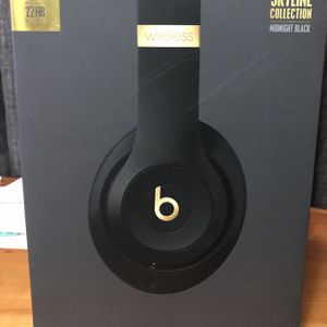 Beats Studio 3 wireless - Skyline Collection - Midnight Black - In Perfect Shape for Sale in Belmont, CA