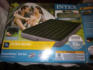 INTEX QUEEN SIZE AIR MATTRESS for Sale in Dallas, TX