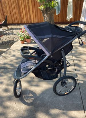 Graco click connect jogger stroller car seat combo for Sale in Sacramento, CA