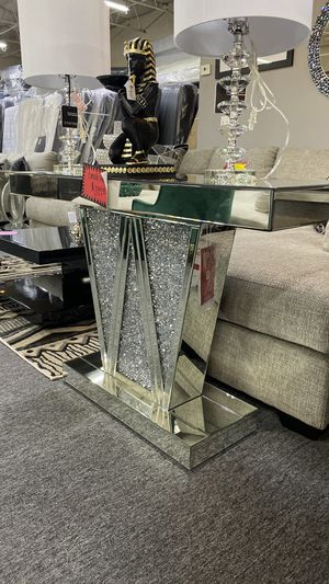 NEW AND TRENDING Mirrored Console Table with Jewels that Shine Bright 7JVOG for Sale in Euless, TX