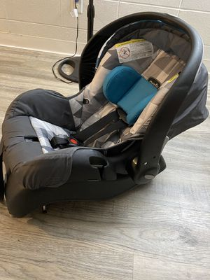 Evenflo car seat for Sale in Joint Base Lewis-McChord, WA