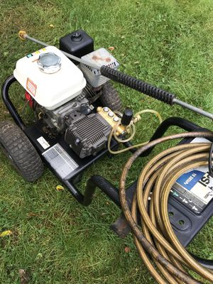 Honda pressure washer with brand new pump over 3000 PSI everything included this is a beast for Sale in Waterford Township, MI