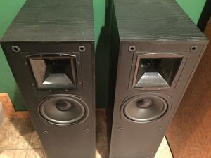Set of 2 Klipsch KSF 8.5 Tower Floor Speakers for Sale in Schaumburg, IL