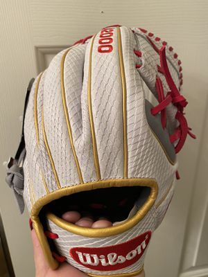 Fastpitch softball 🥎 gloves make me an offer for Sale in Chino, CA